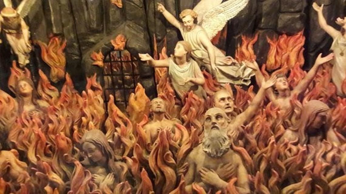 Rien de souillé n'entrera au Ciel ! Tout sur le Purgatoire... - Page 2 The-purgatory-with-figurines
